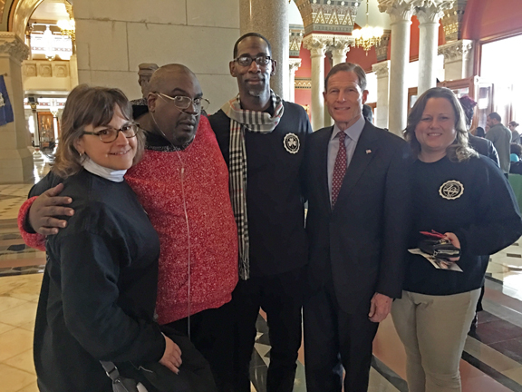Image of Dungarvin CT Team with Senator Blumenthal at Opioid Awareness